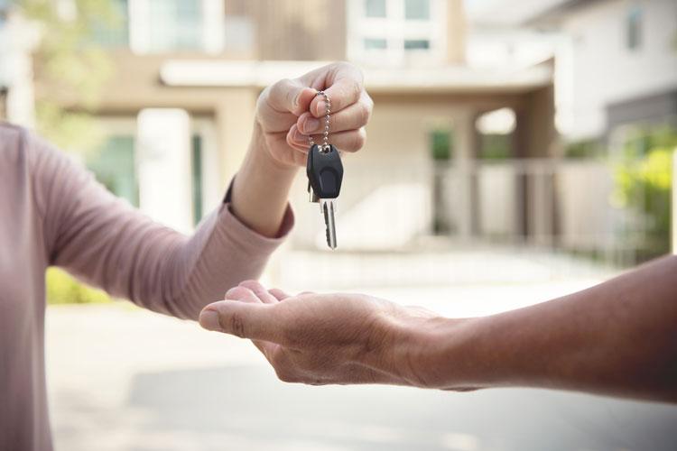 casa-allasta-il-debitore-o-un-familiare-possono-riacquistarla